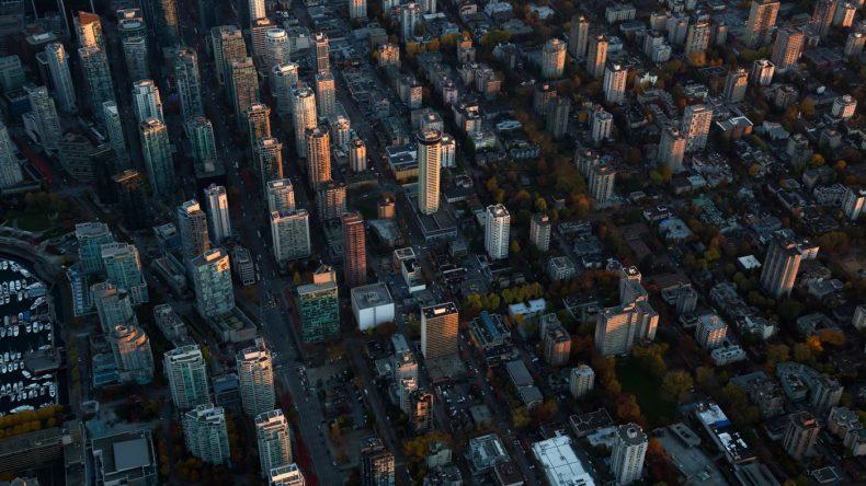 8. Auf Fototour gehen und Vancouvers zahlreiche Murals und Instagrammable Places entdecken, wie z.B. die farbenprächtige Fußgängerzone Alley Oop oder die coole Fun Alley. (Photocredit: istockphoto/edb3_16)