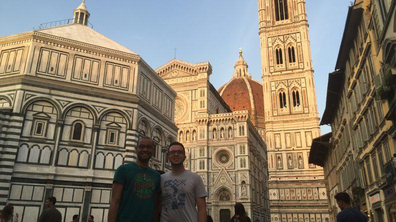 Vom Piazza del Duomo hat man einen fantastischen Blick auf die prachtvolle Kathedrale von Florenz.