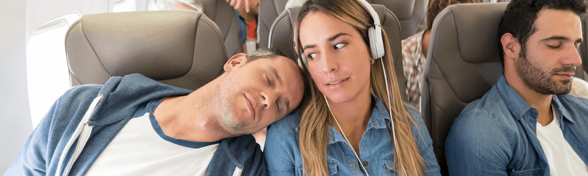 Flugzeug-Knigge: Welche Benimmregeln solltest du an Bord beachten?