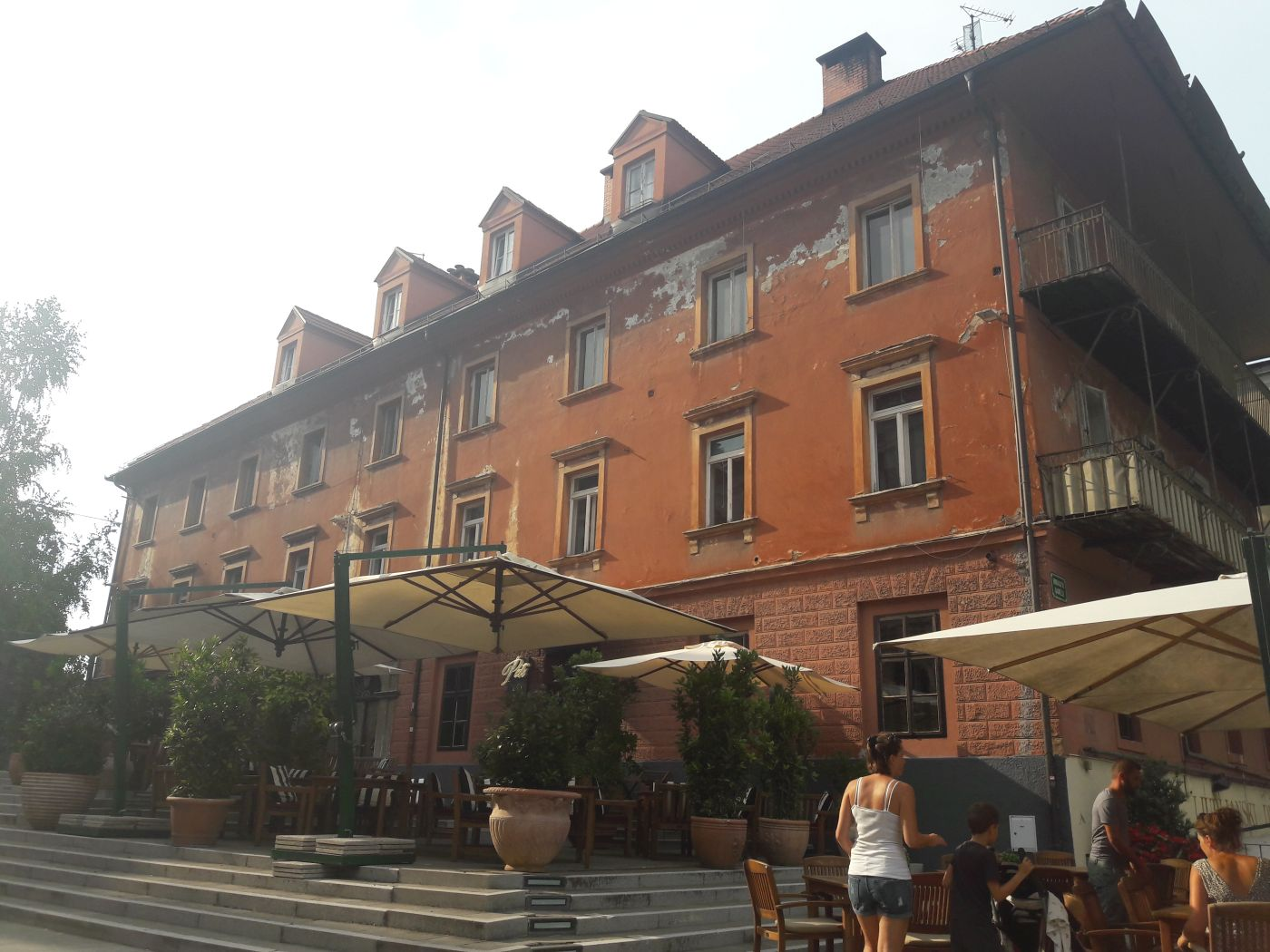 Ljubljana Slowenien mediterranes restaurant