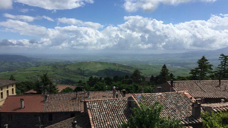 Das verschlafene Dörfchen Radicofani liegt abgeschieden auf einem kleinen Berg im südlichen Teil der Toskana.