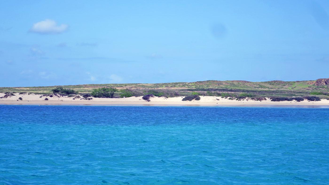 Auf den Kapverden erwarten euch weiße Sandstrände & verlassene Buchten.