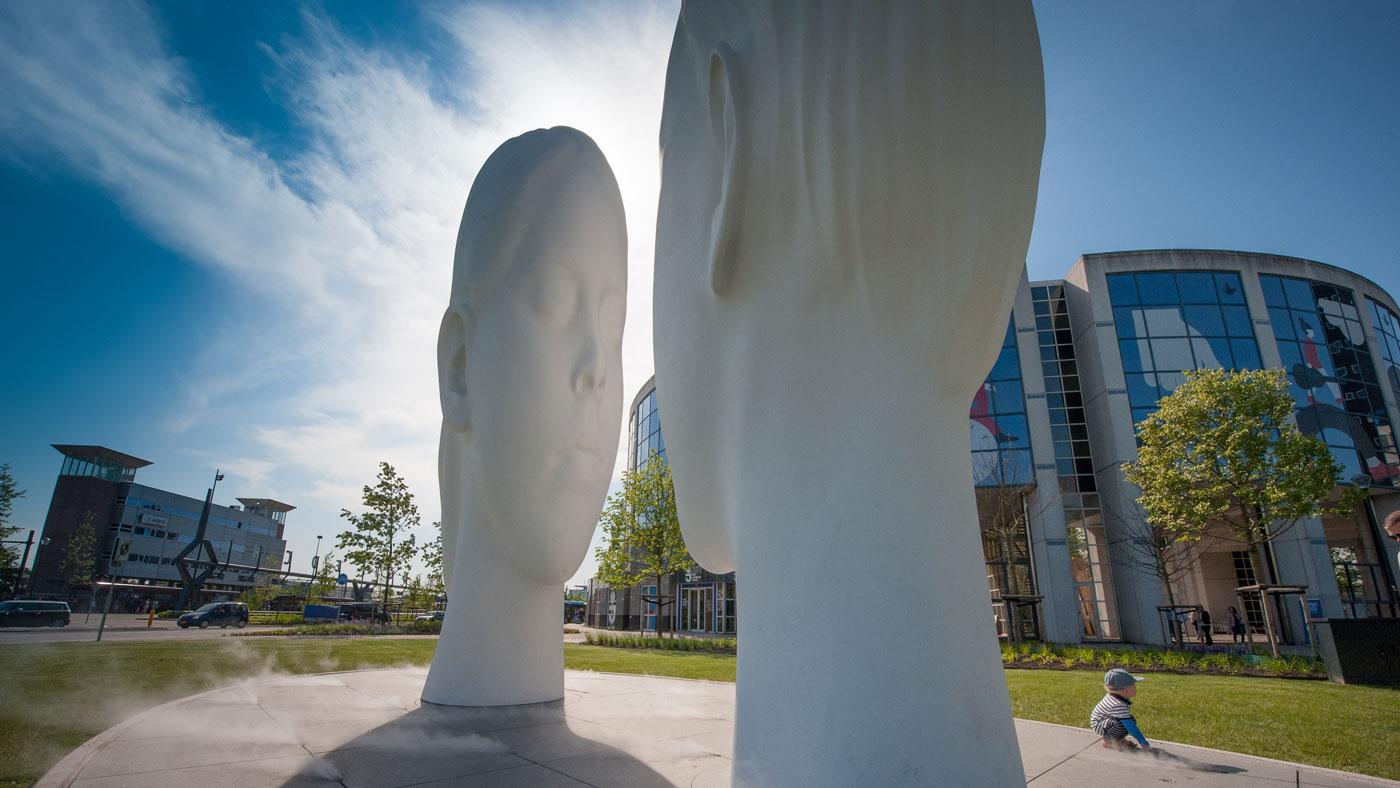 2018 war Leeuwarden Kulturhauptstadt Europas. Elf renommierte Künstler haben dazu je einen Brunnen für jede der elf friesischen Städte entworfen.