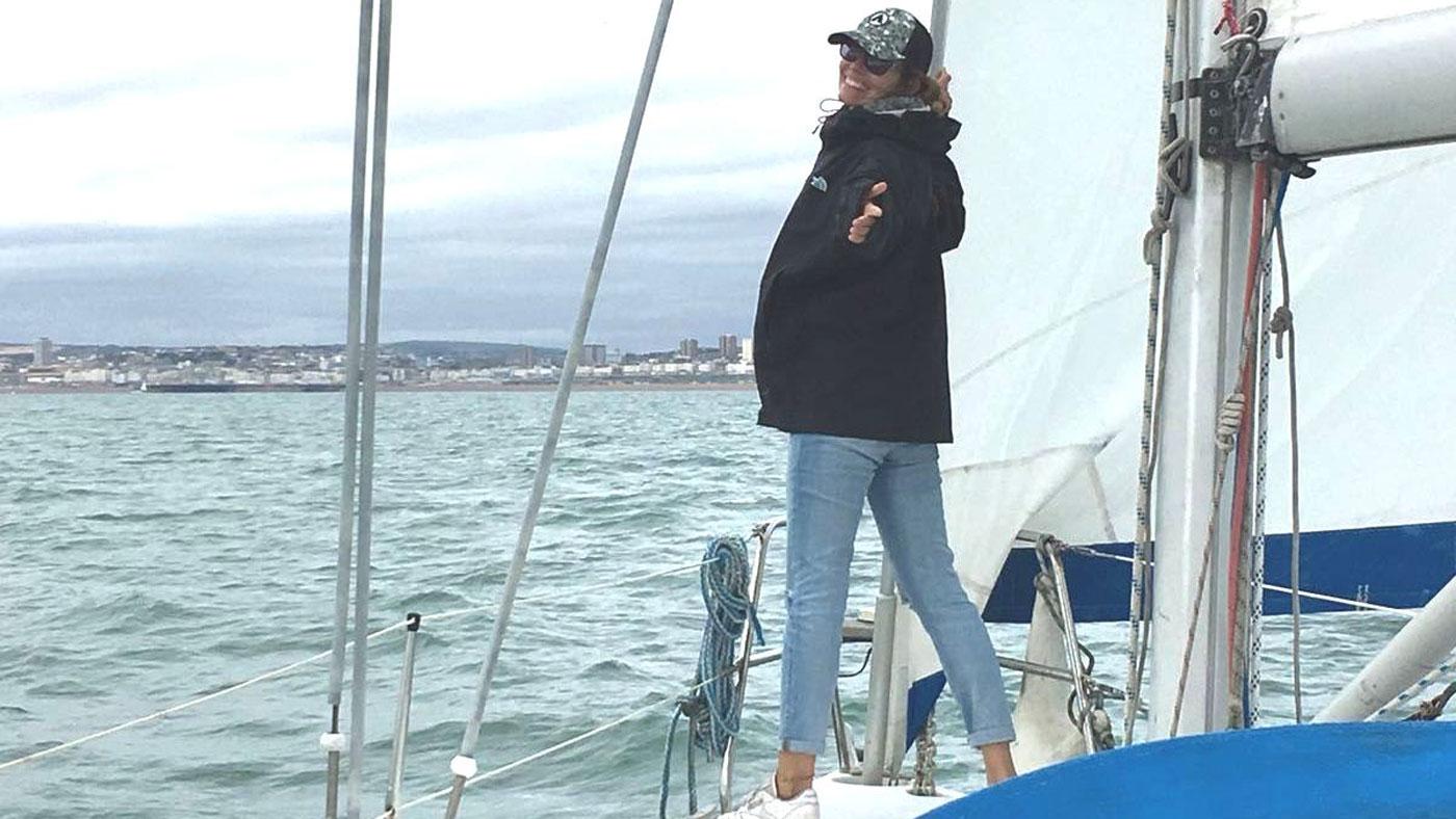 Anja auf Segeltörn in Brighton