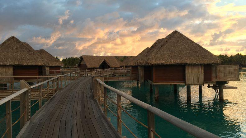 Auch die exklusiven Wasservillen des Four Seasons Resort Bora Bora bieten Luxus pur.