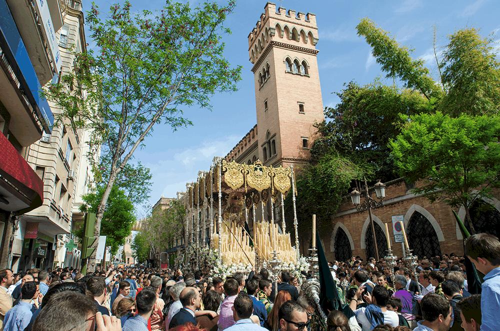 Karwoche Sevilla Spanien