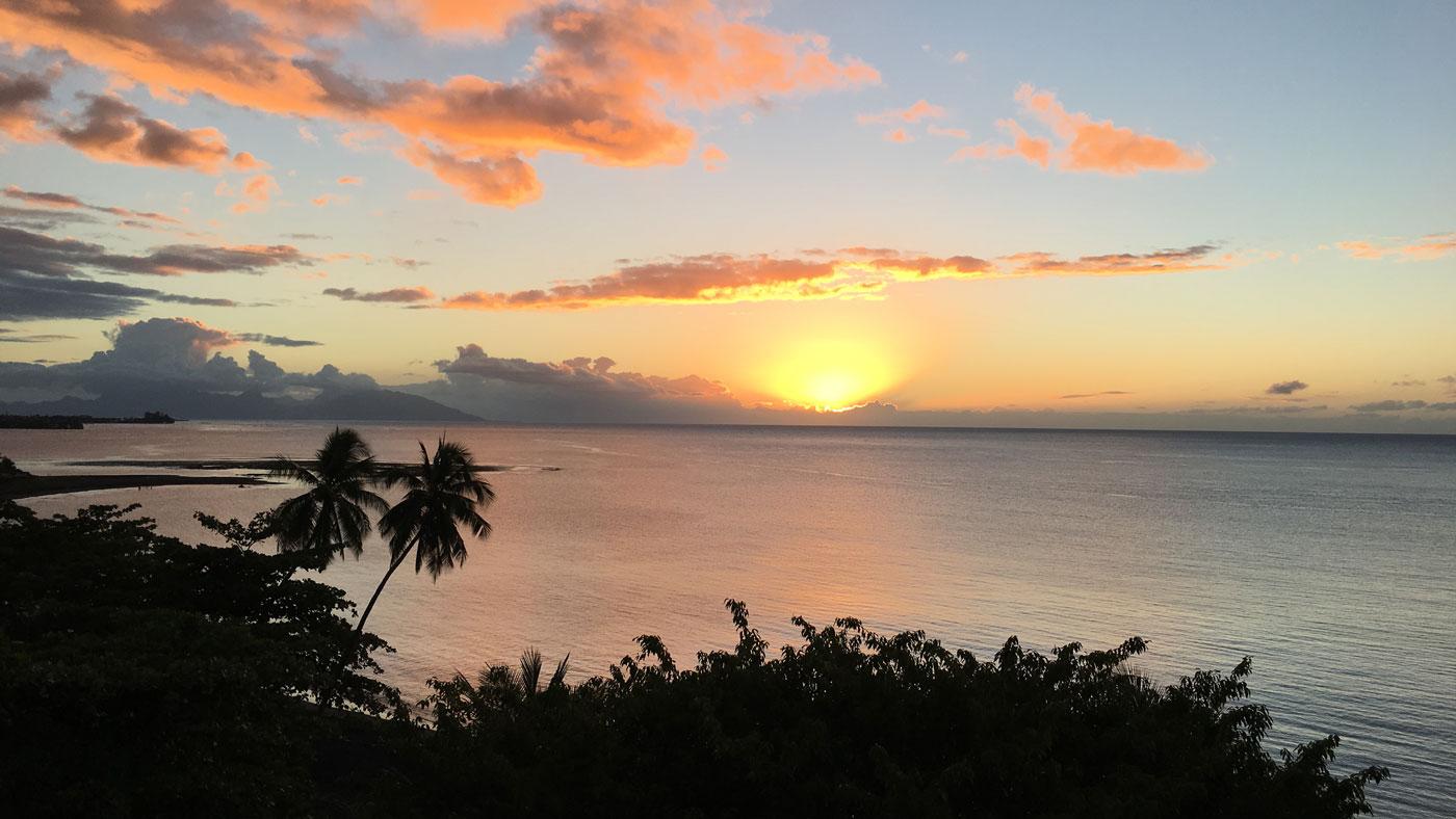 Einfach magisch: Sonnenaufgang auf Tahiti