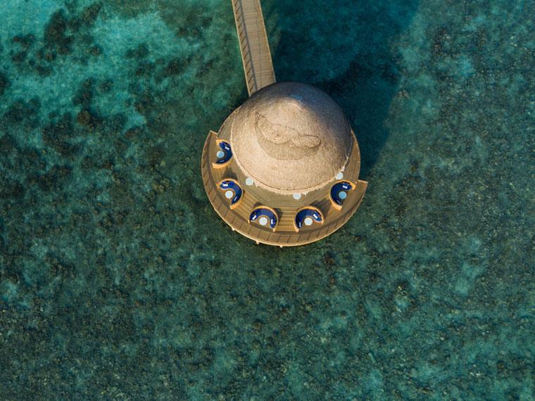 Die Overwater Bar Boli bietet spektakuläre Aussichten!