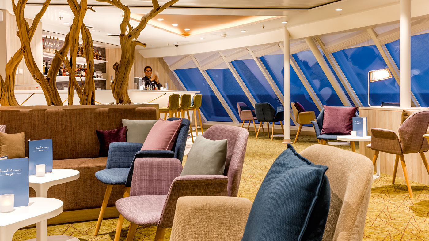 Einer meiner Lieblingsplätze ist die Himmel & Meer Lounge (© TUI Cruises GmbH Hamburg)