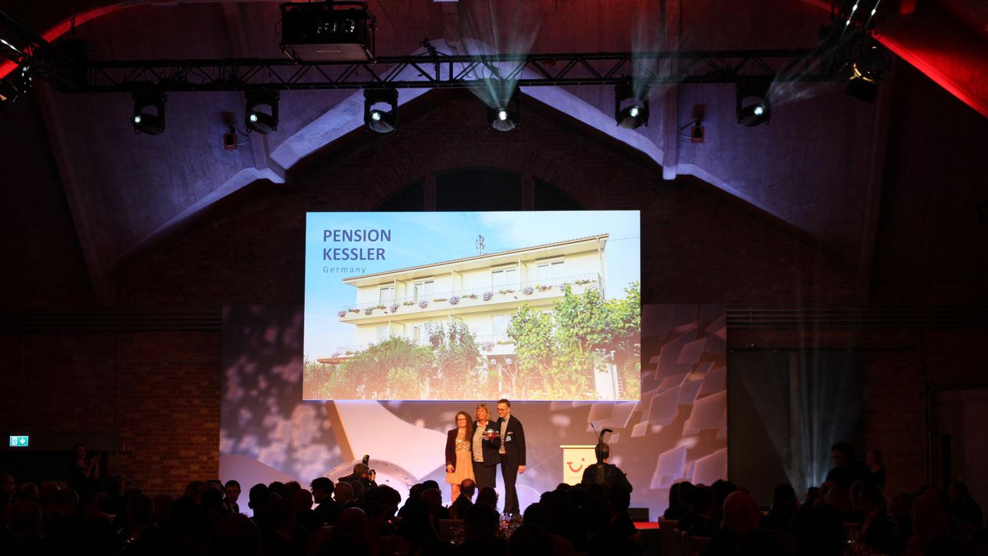 """Die Pension Keßler gewinnt den TUI Holly Award 2019 in der Kategorie """"Bestes Hotel Autoreisen"""""""