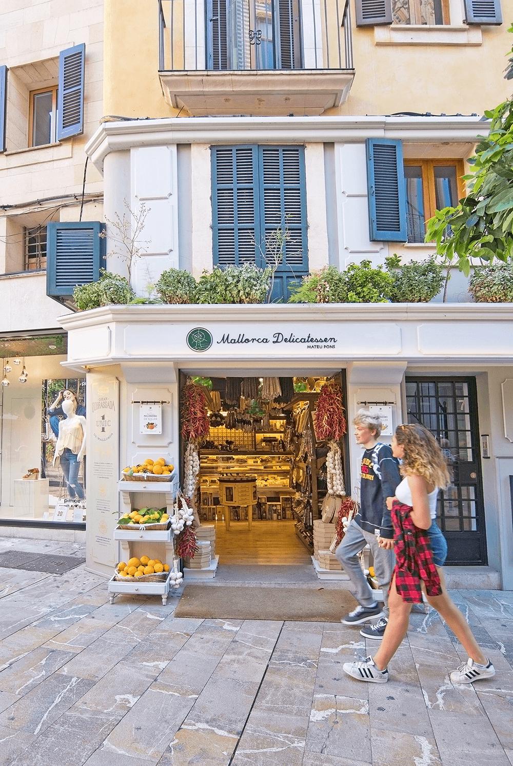 Ein ausgedehnter Shopping-Trip ist in Palma Pflichtprogramm. Tipp: Zwischen April und Oktober sind die Geschäfte sind auch sonn- und feiertags geöffnet