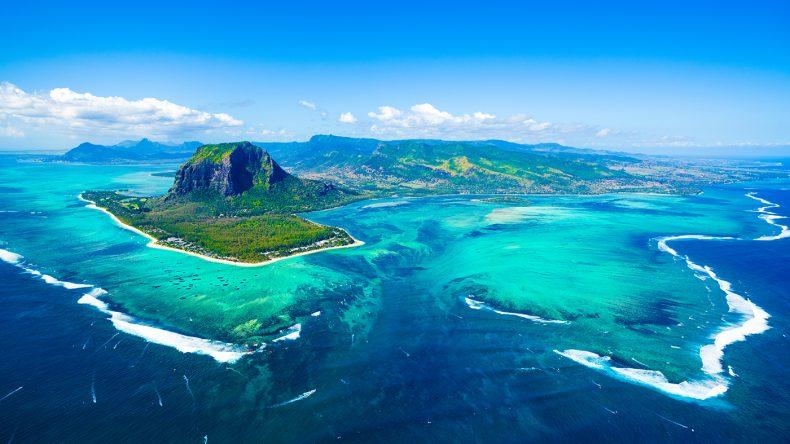 Mauritius aus der Luft // ©Shutterstock, Myroslava Bozhko