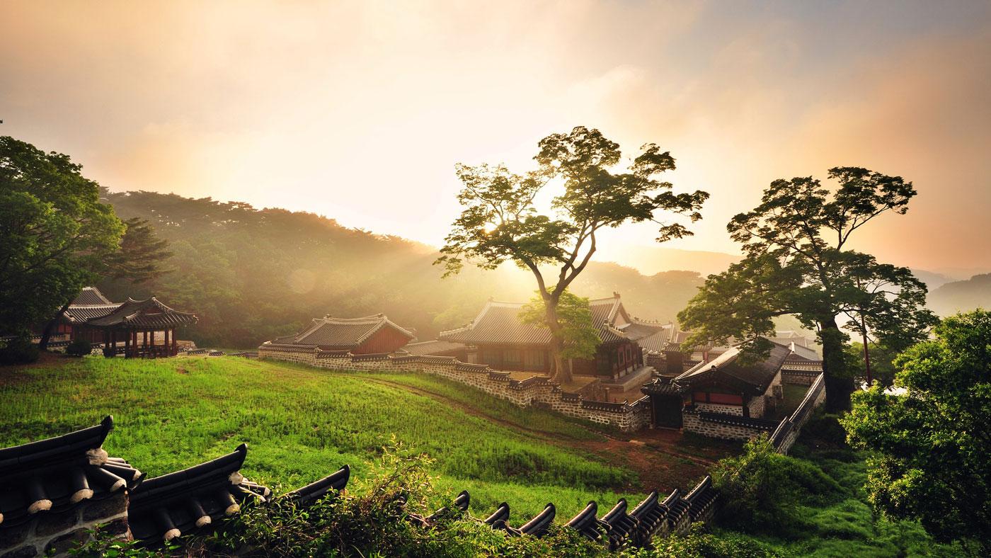 Sehenswert ist auch die Festung Namhansanseong, die sich etwa 15 Kilometer südöstlich von Seoul auf dem Namhansa befindet und eine schöne Aussicht auf Seoul bietet. // Copyright © Korea Tourism Organization