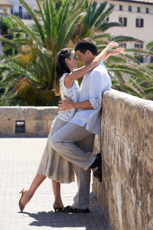 Urlaubslück zu Zweit an der Stadtmauer in Palma