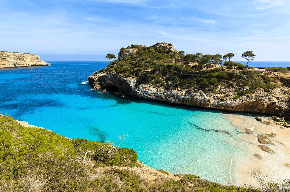 Mallorca ist nicht ohne Grund für seine traumhaften Badeorte und geschützten Buchten bekannt