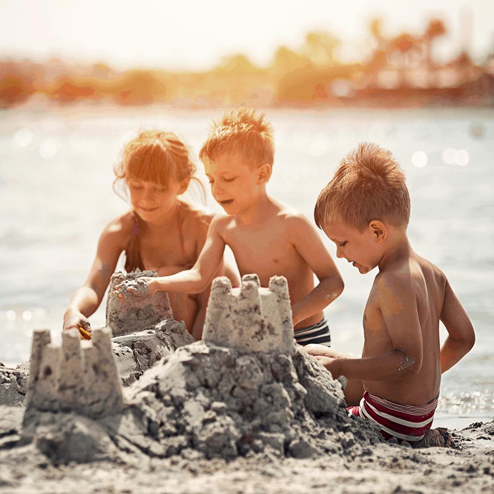 In der Bucht von Alcudia im Norden sind besonders die Strände von Alcudia, Muro und Formentor für Familien zu empfehlen