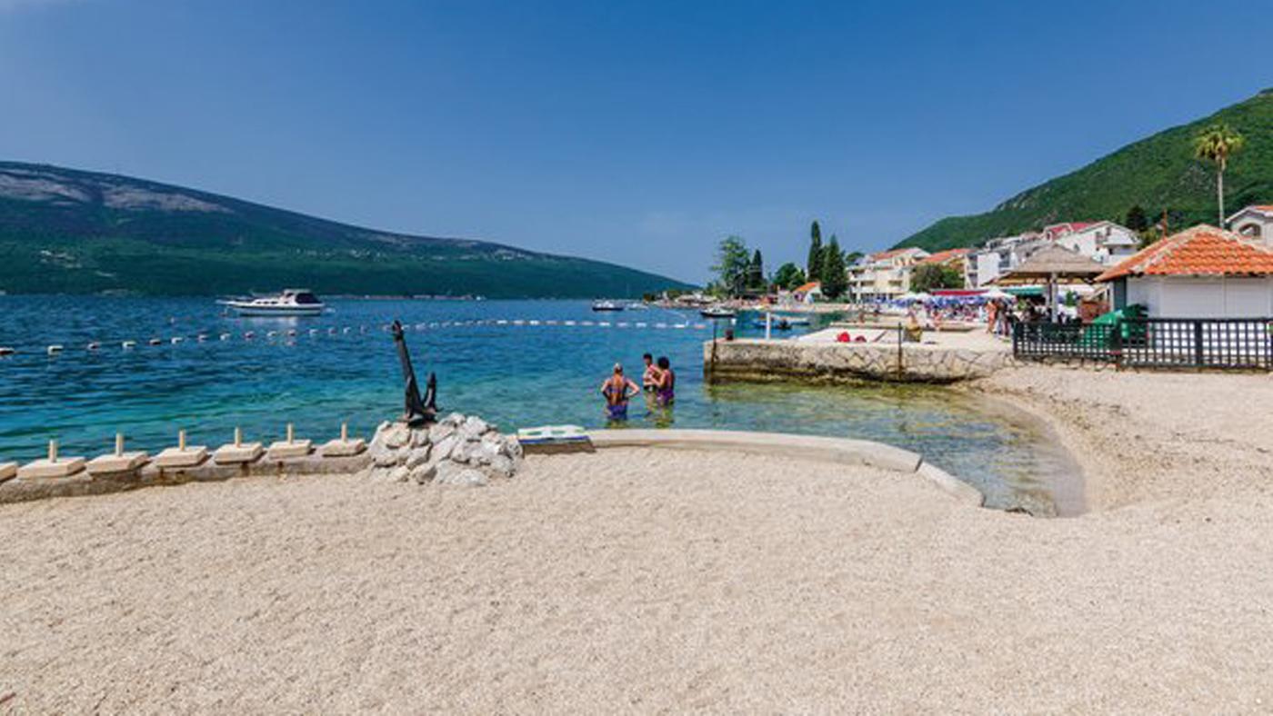 Ferienhaus am Strand in Montenegro