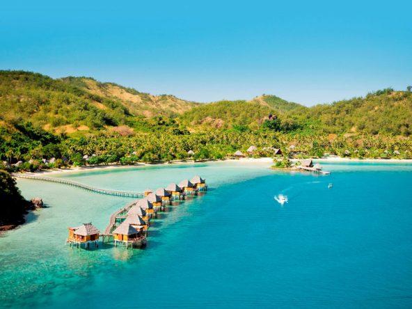 Das 5-Sterne Likuliku Lagoon Resort bietet einige Overwater Bungalows an