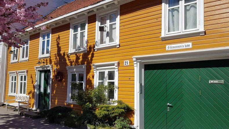 Bunte Holzfassaden in Kristiansand