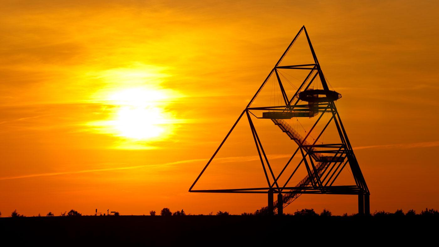 Tetraeder bei Sonnenuntergang