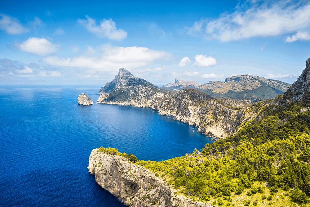 Cap de Formentor auf Mallorca ist der nördlichste Punkt der Baleareninsel. Die Halbinsel ist bei den Mallorquinern auch als Treffpunkt der Winde bekannt.
