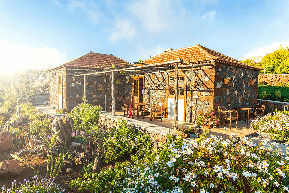 Wenn du Urlaub auf einer Agrofinca machst, wirst du gewöhnlich in das Leben der Bewohner miteingebunden. Das gemeinsame Kochen und Essen am Abend sind dabei genauso bereichernd wie die Arbeit auf dem Feld oder die Versorgung der Tiere.