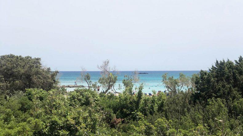 Leuchtet schon Weitem: der Strand von Elafonisi.