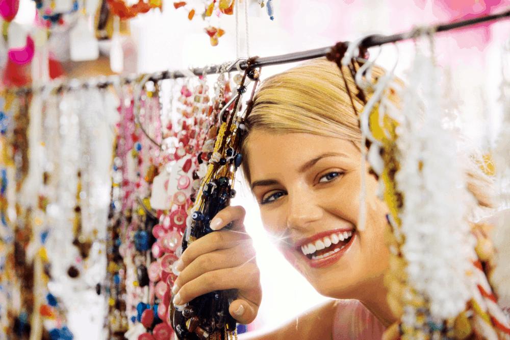 Halsketten, Armbänder und Ohrringe, die perfekten Souvenirs.