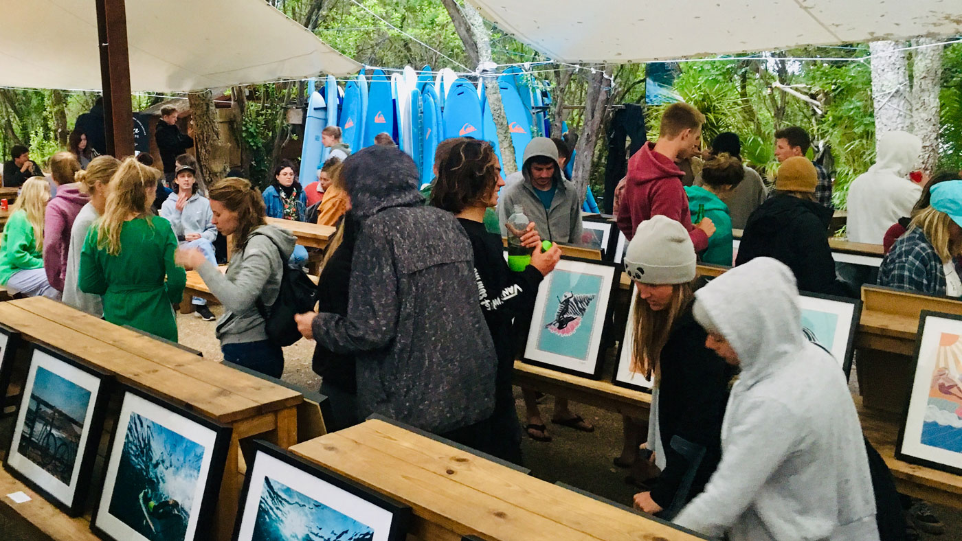 Vernissage im PURE Surfcamp