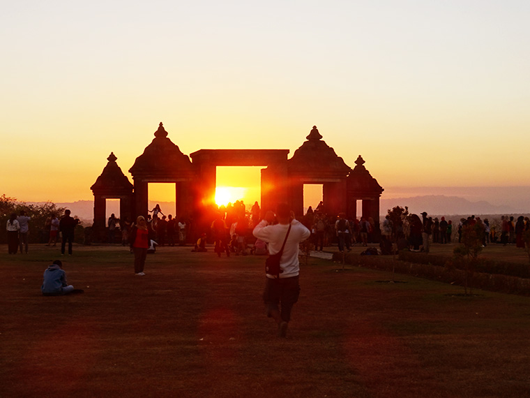Sonnenuntergang am Boko Tempel