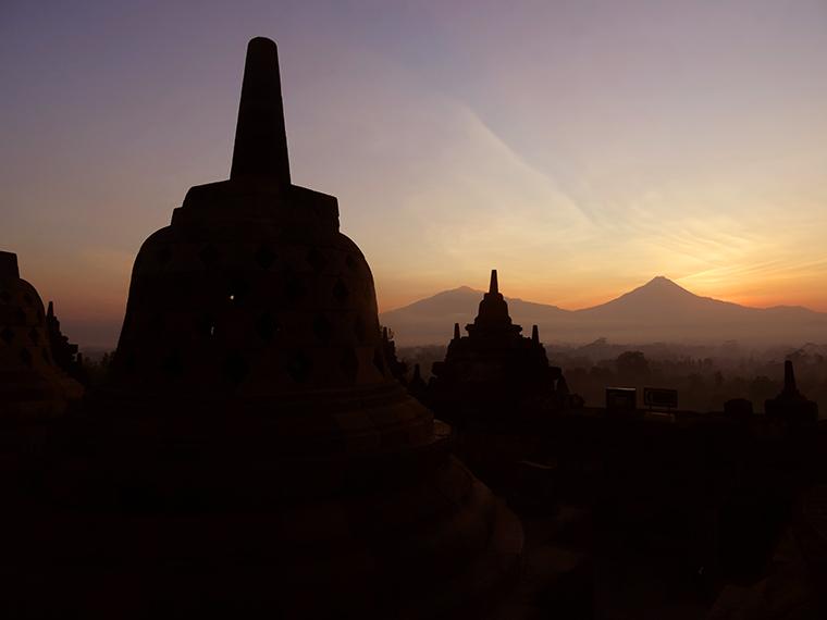 Sonnenaufgang am Borobodur