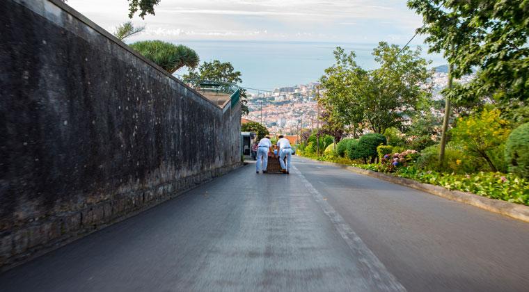 Fahrt mit dem Korbschlitten in Funchal