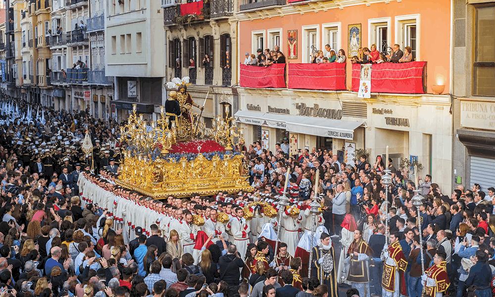Mehr über die andalusischen Karnevalsbräuche erfährst du in unserem dazugehörigen Blogbeitrag