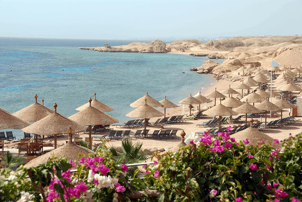 Hurghada mit einem insgesamt knapp 20 Kilometer langen Strand.