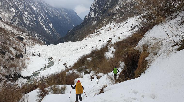 Schnee auf dem Annapurna Trek
