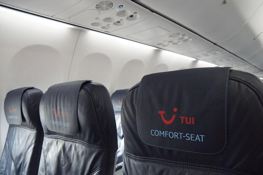Comfort-Seats in einem TUI fly Flugzeug