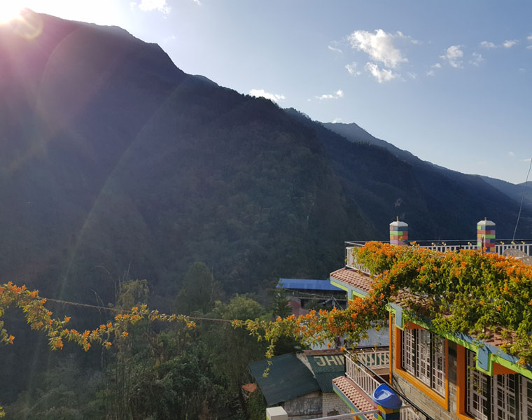 Blick vom Dorf Jhinu Danda
