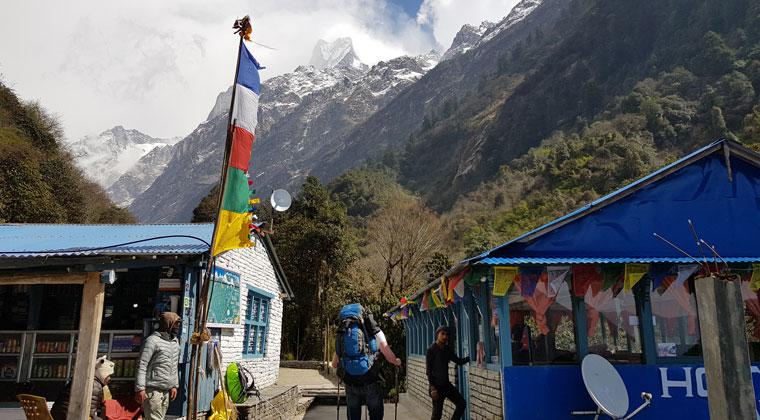 typisches Dorf im Himalaya
