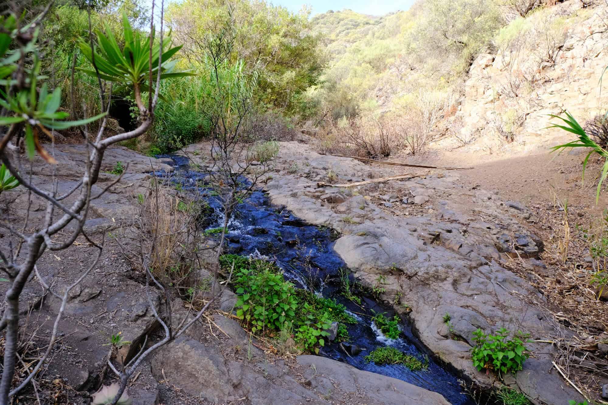"""Wir folgen dem Bach zu den Wasserfällen, den """"Cascadas Magicas""""."""