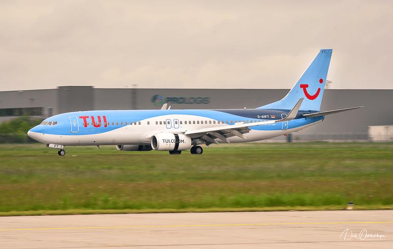 """Die D-AHFT (""""Foxtrott-Tango"""") auf der Durchreise am Flughafen Hannover."""