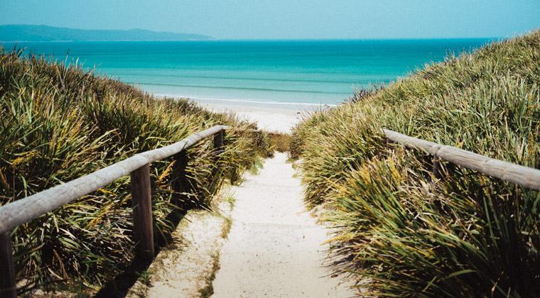Blaues Meer, weißer Strand – das ist Australien