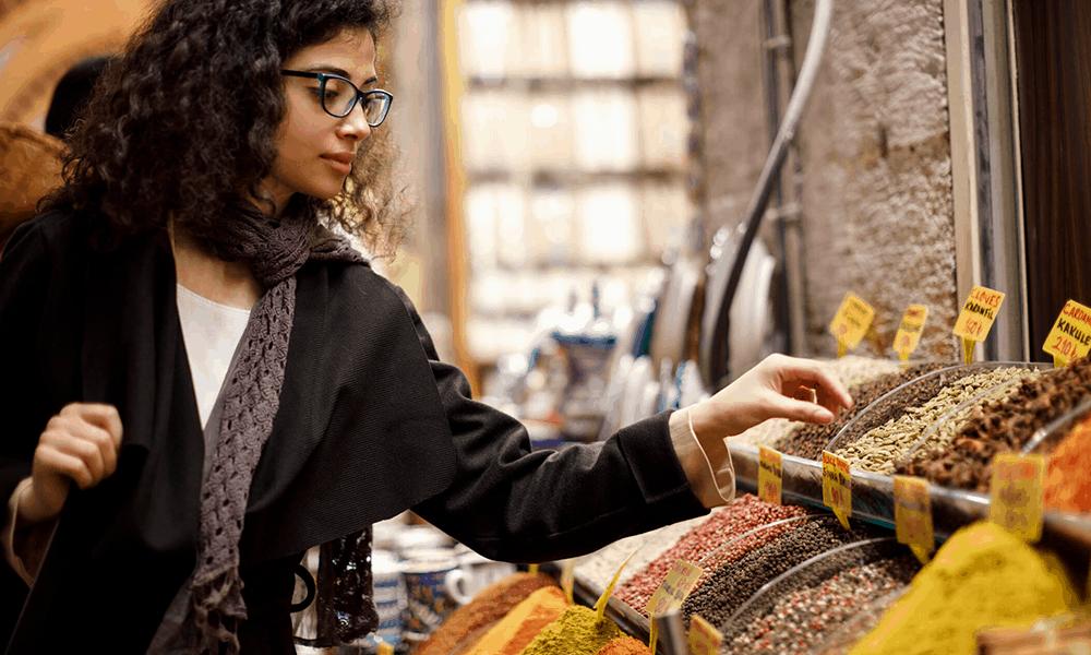 Ägyptische Märkte bieten eine Vielzahl von Eindrücken, viele Händler wollen dir unbedingt etwas verkaufen.