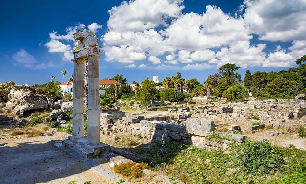 Die Agora war in der Antike ein Versammlungs- und Marktplatz.