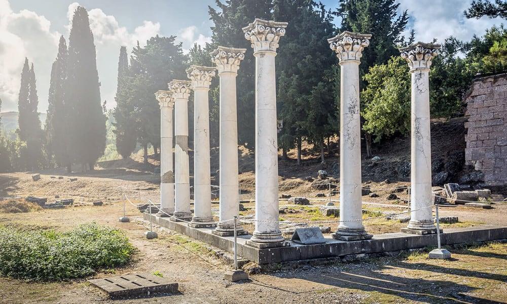 Das Asklepieion war ein Ort, an dem Asklepios, Gott der Heilkunst, verehrt wurde.