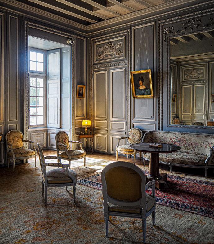 Ein prunkvoller Raum
