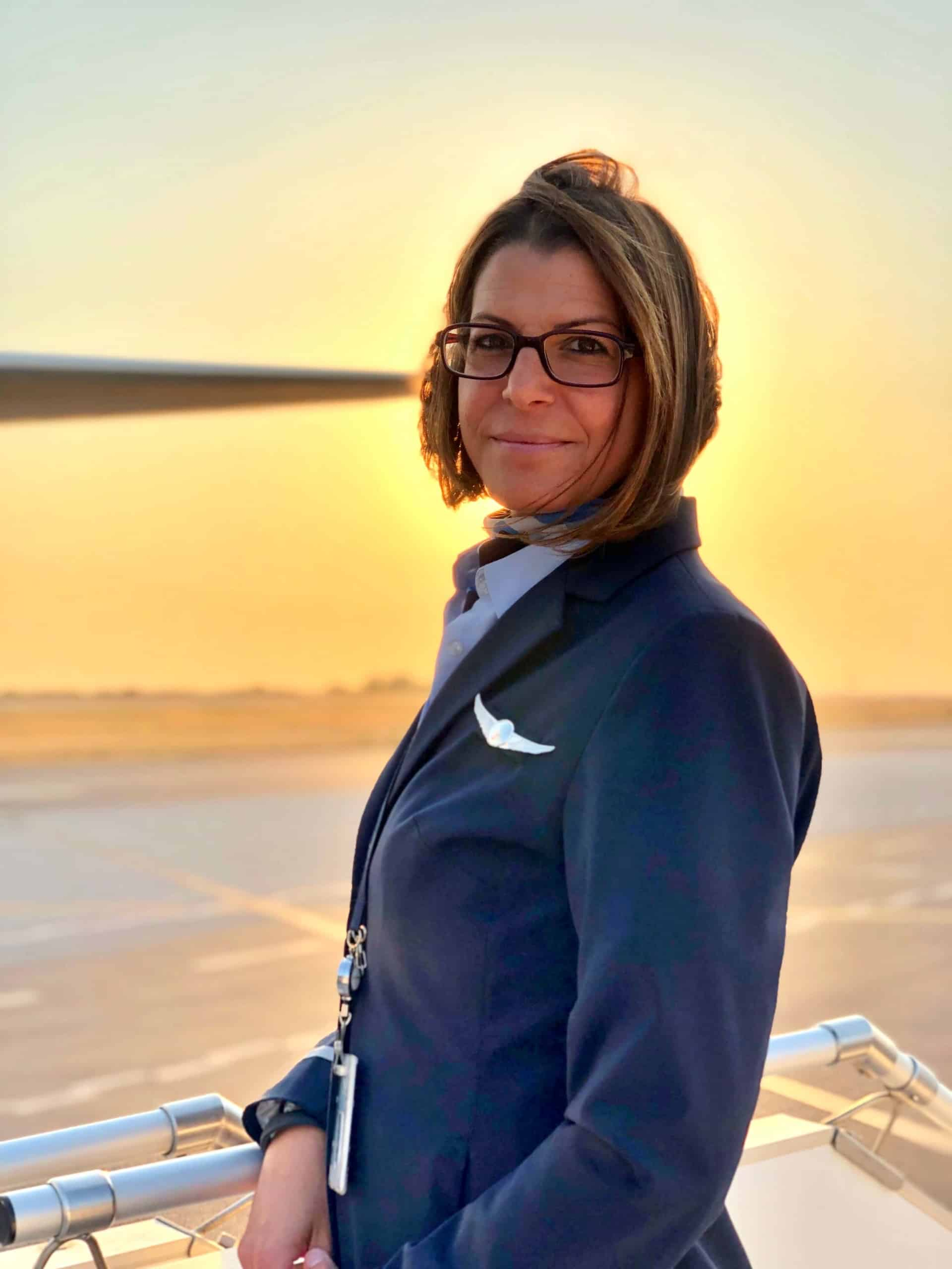Rosa Flugbegleiterin TUI fly Instagram-Profil @flight.level360