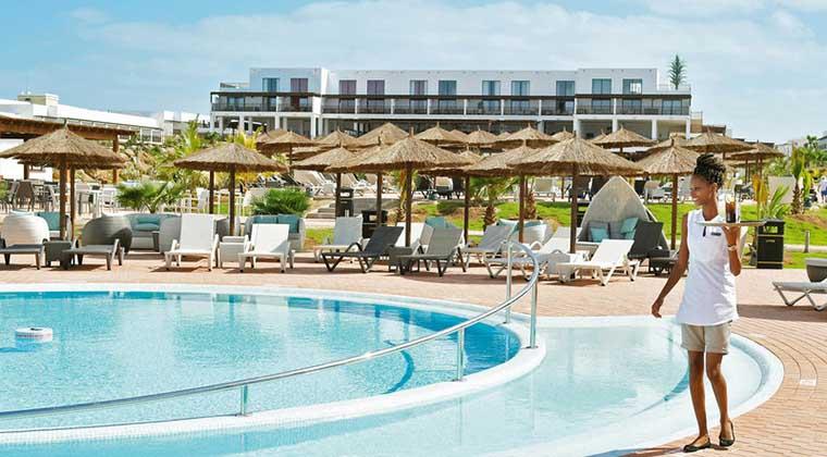 Bietet unter anderem auch tolle Pools: das TUI BLUE Cabo Verde.