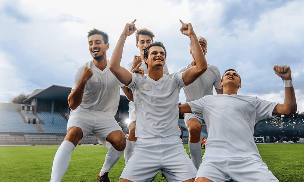 Fußballer: Zum Feiern auf der Insel.