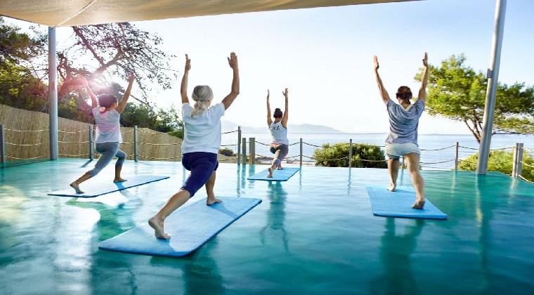 Yoga mit Blick auf das Meer
