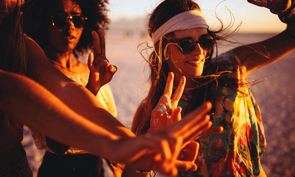 Noch vor dem Café del Mar, in den 60er und 70er Jahren, entdeckten die Hippies den Charme der Insel für sich.